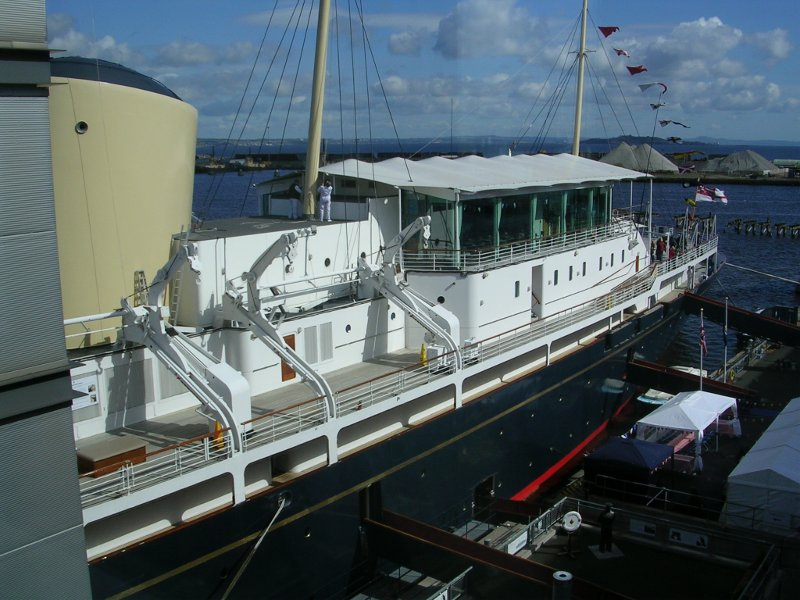 how to get to royal yacht brittannia from waverley station